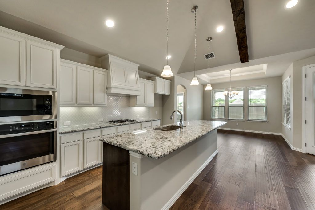 4010 venton HV kitchen and dining room