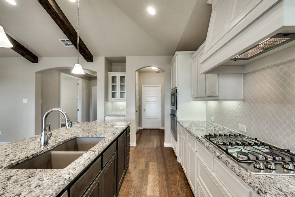 4010 viento kitchen view