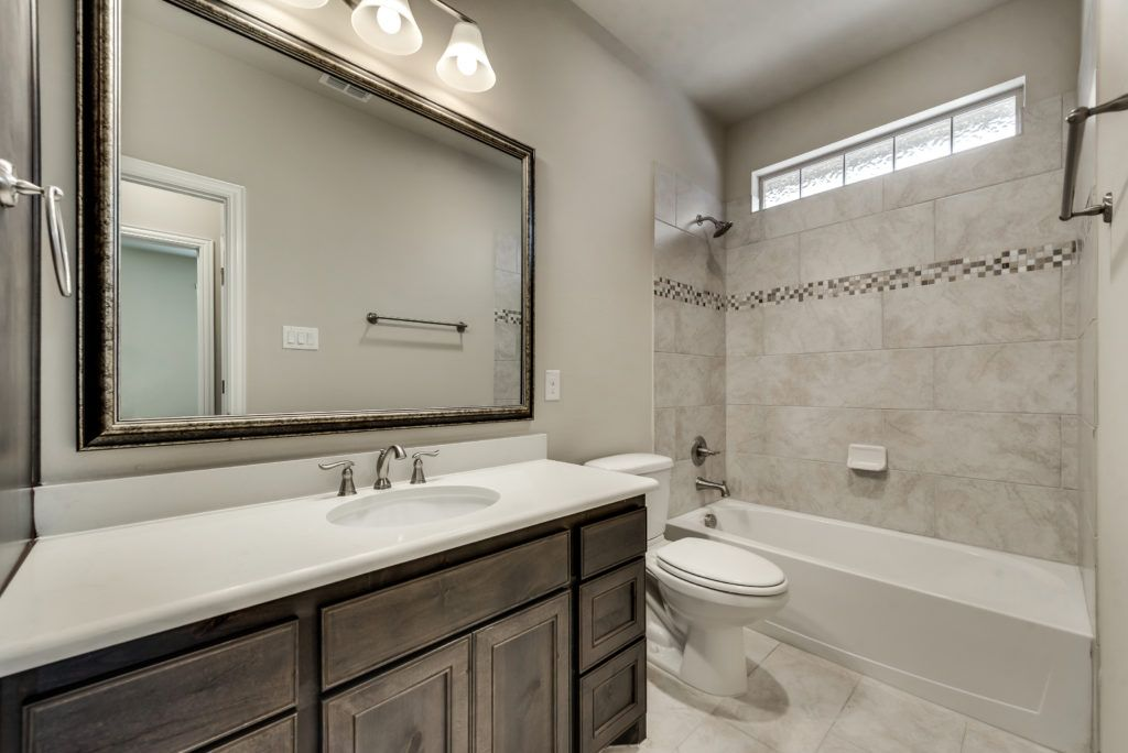 4010 viento bathroom
